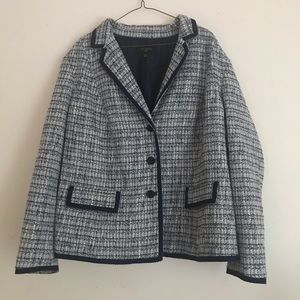 Talbots light and dark blue houndstooth blazer